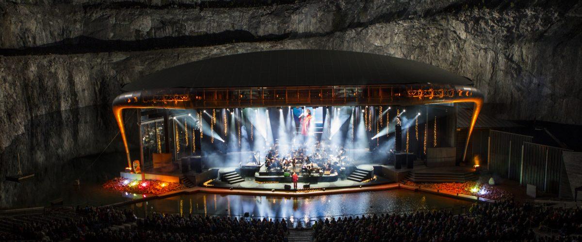 Fyrverkerikonsert i Dalhalla. Scenen sedd från läktarplats.   (Foto: Andréas S. Eriksson / Rockpix.se)  Nyckelord Keywords: , Rättvik, konsert, fyrverkeri